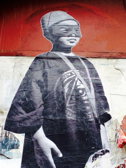 streetart boy maske