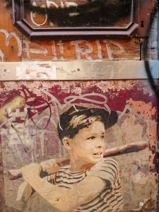 baseball_boy_boy_graffiti_street_art_barcelona_spain_travel_photography_nicola_joanne_carter