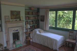 Virginia_Woolf's_bed_at_Monk's_House