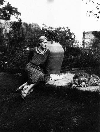 Virginia-Woolf-at-Monks-house-1931